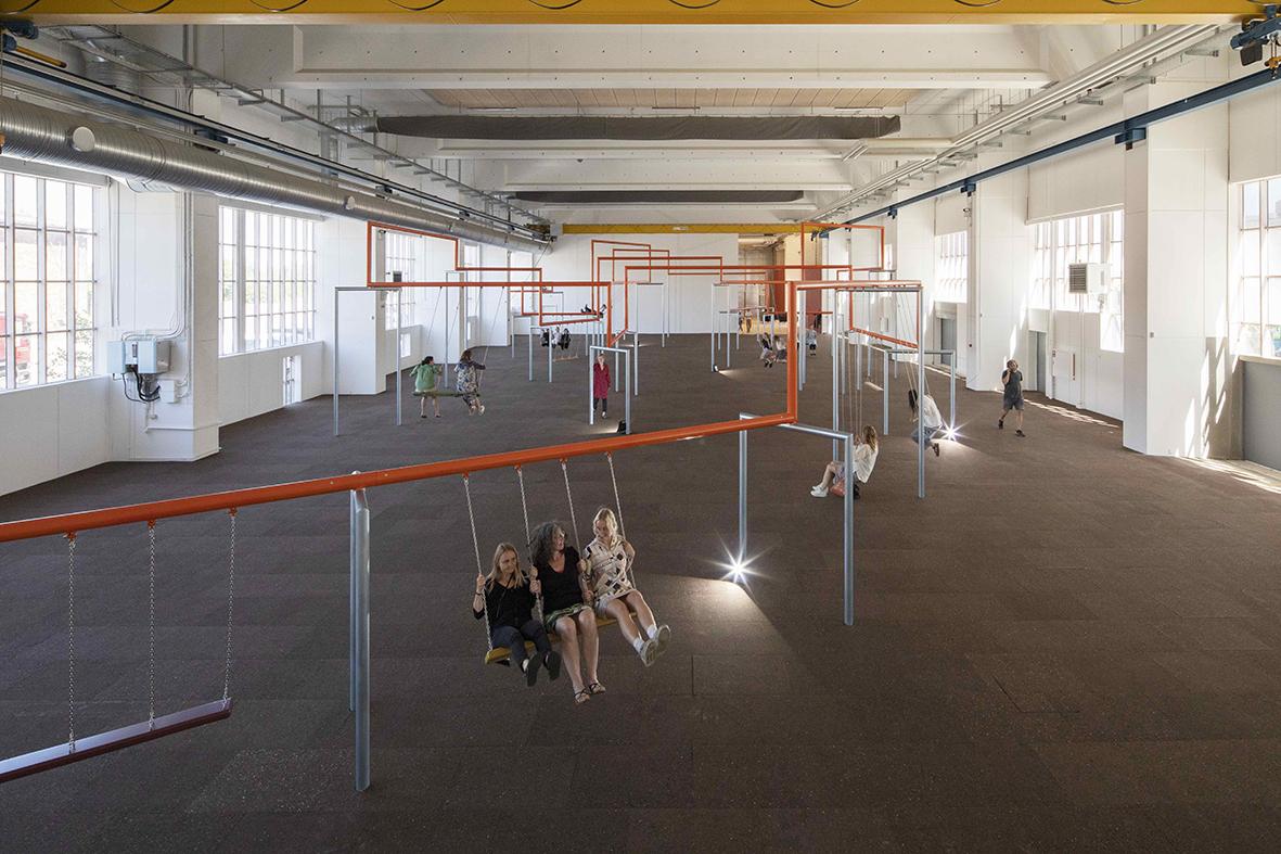 """SUPERFLEX """"Tager livtag med det, de oplever som samfundsmæssig apati, en handlingslammelse i forhold til de politiske, miljømæssige og økonomiske udfordringer, der præger vores tid ved at fremhæve det revolutionerende potentiale, de ser i fællesskaber og fælles handlinger."""" – SUPERFLEX. One Two Three Swing! Installation shot, Copenhagen Contemporary 2018. Foto: Anders Sune Berg"""